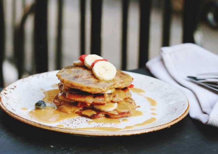 Pancakes Banane Cannabis Lecture : 2 min